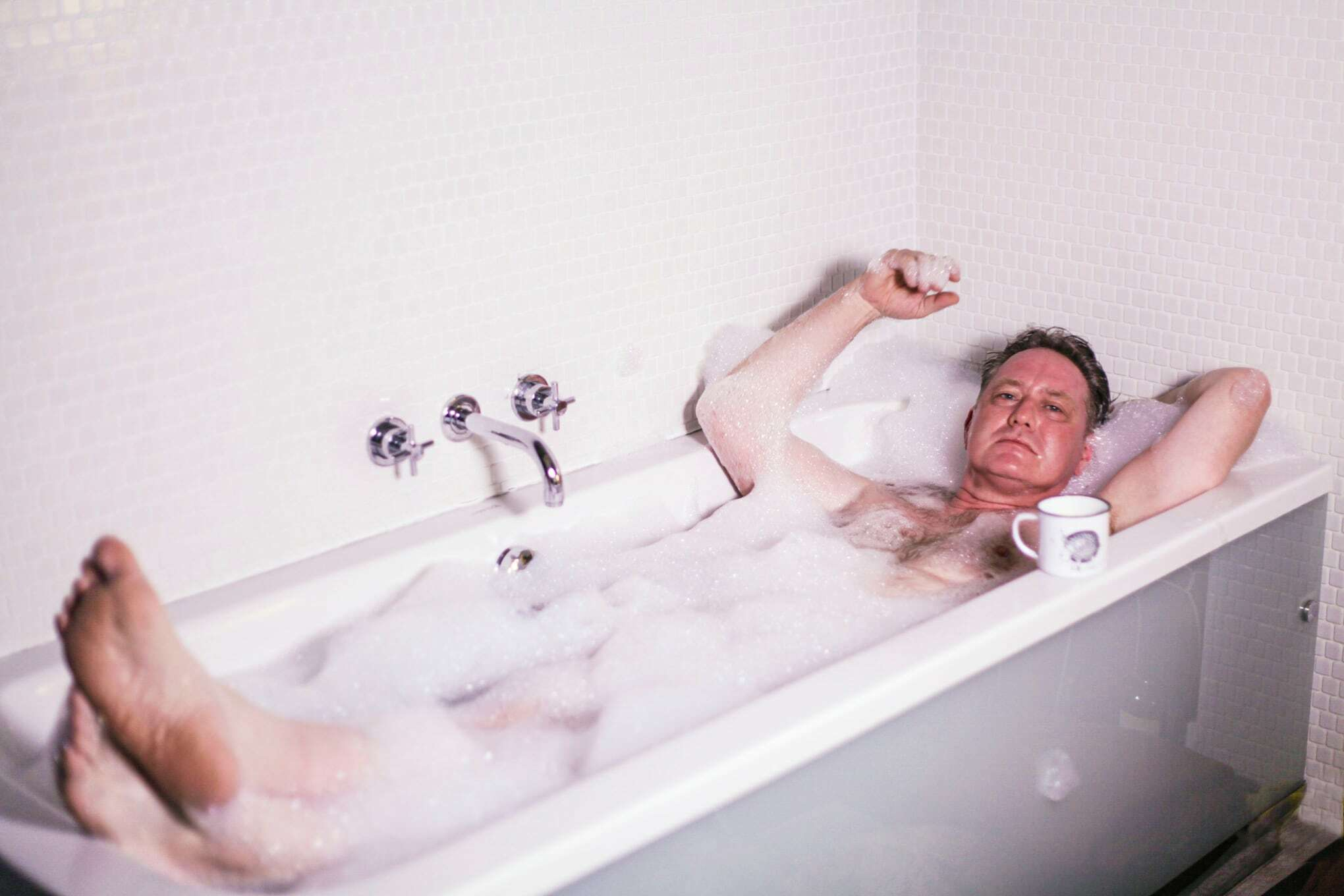 Menwhotakebaths robert 3