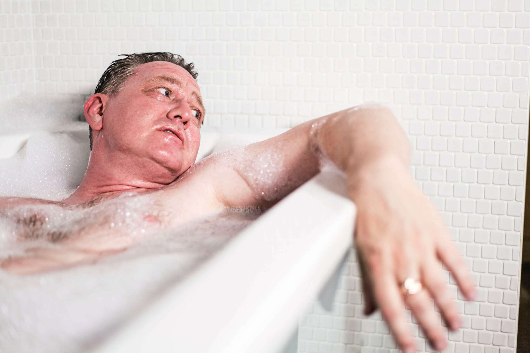 Menwhotakebaths robert 5