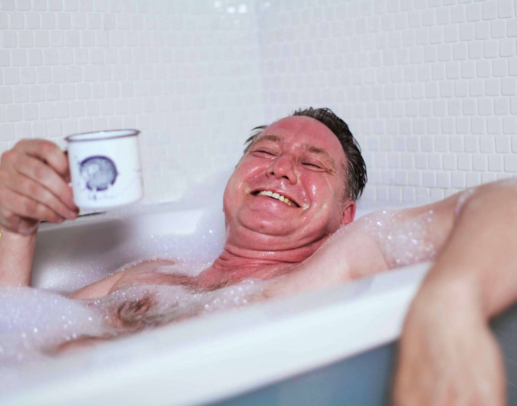 Menwhotakebaths robert 6